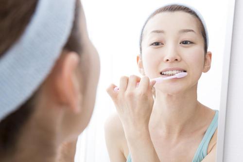 维持口腔健康不可以只靠刷牙,你还得坚持做好这5件事-第3张图片-爱薇女性网