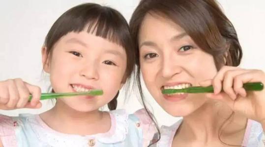 维持口腔健康不可以只靠刷牙,你还得坚持做好这5件事-第4张图片-爱薇女性网