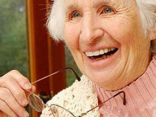 老花眼是什么原因引起的?有关老花眼的4大常见问题解答-第3张图片-爱薇女性网
