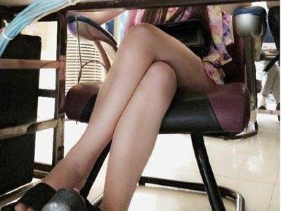 女生为什么喜欢夹腿?女生夹腿会有什么危害-第1张图片-爱薇女性网