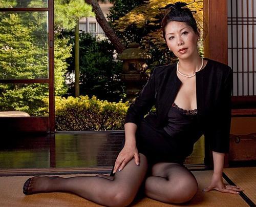 什么样的中年女人最有魅力,迷人的中年女性的特点有哪些-第3张图片-爱薇女性网
