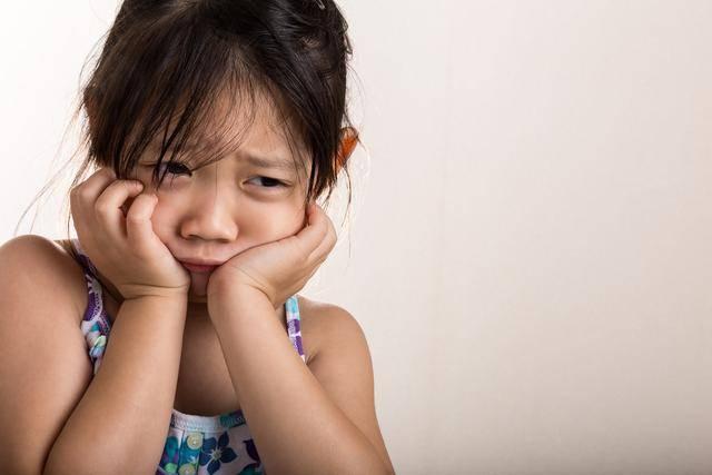 """孩子的四种个人行为,可能是内心""""缺爱""""的主要表现,家长们要留意了"""