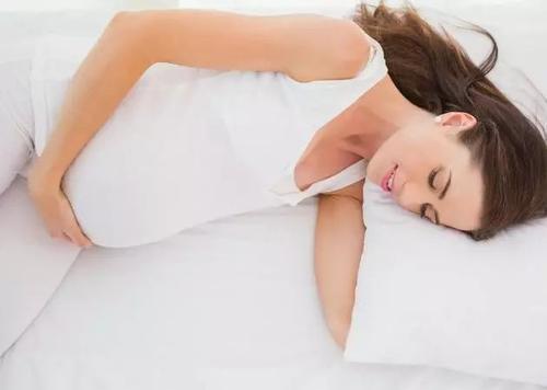 怀孕后睡眠质量差,推荐三种合适准妈妈的睡姿-第2张图片-爱薇女性网
