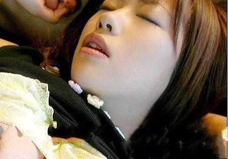 精华液能吃吗?女人的精华液究竟是什么?-第3张图片-爱薇女性网