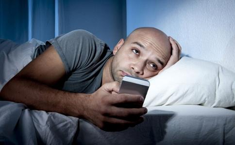 长期熬夜对身体不好,究竟夜里几点睡觉算熬夜呢?-第3张图片-爱薇女性网