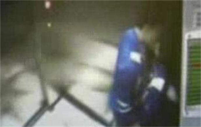 湖南电梯门事件 初中生情侣电梯忘情啪啪全程被拍-第2张图片-爱薇女性网
