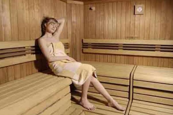 汗蒸的好处和坏处:可以皮肤美容祛斑,帮助去除体内湿毒-第2张图片-爱薇女性网