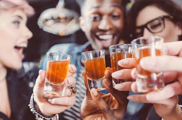酗酒的危害主要有哪些:损害肝脏以及诱发心血管疾病-第3张图片-爱薇女性网