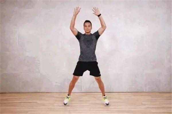 大学生居家训练方法有哪些:开合跳、深蹲(在家就可以减肥)-第1张图片-爱薇女性网