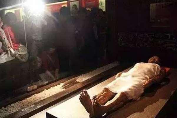 马王堆女尸为什么不腐烂:尸体做了防腐处理(墓室封闭程度高)-第3张图片-爱薇女性网