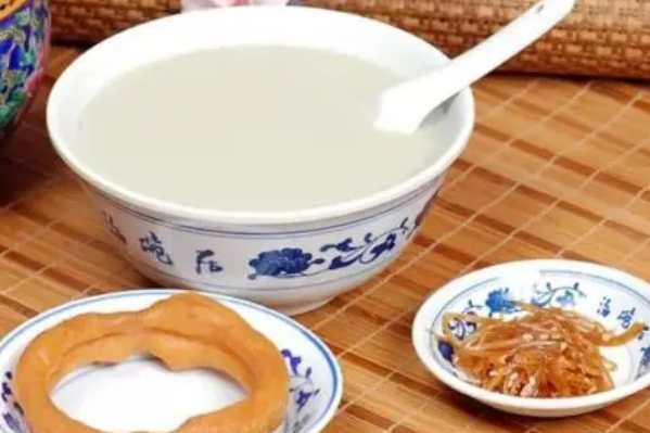 老北京小吃都有哪些:老北京炸酱面被誉为中国十大面条之一-第6张图片-爱薇女性网