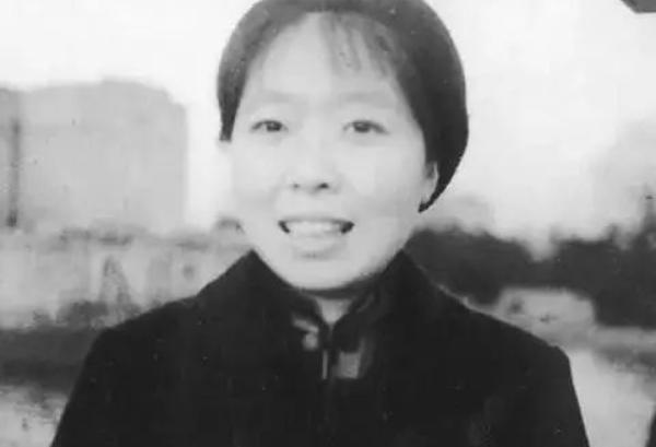 民国四大才女:吕碧城、萧红、石评梅、张爱玲-第2张图片-爱薇女性网